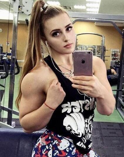 要优雅不要污:芭比娃娃般精致的面庞却有壮硕肌肉 这样你爱吗?